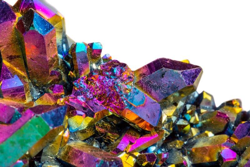 Кварц макроса минеральный каменный Titanium, кварц ауры пламени на whit стоковые фото