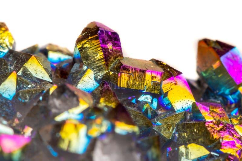 Кварц макроса минеральный каменный Titanium, кварц ауры пламени на whit стоковая фотография