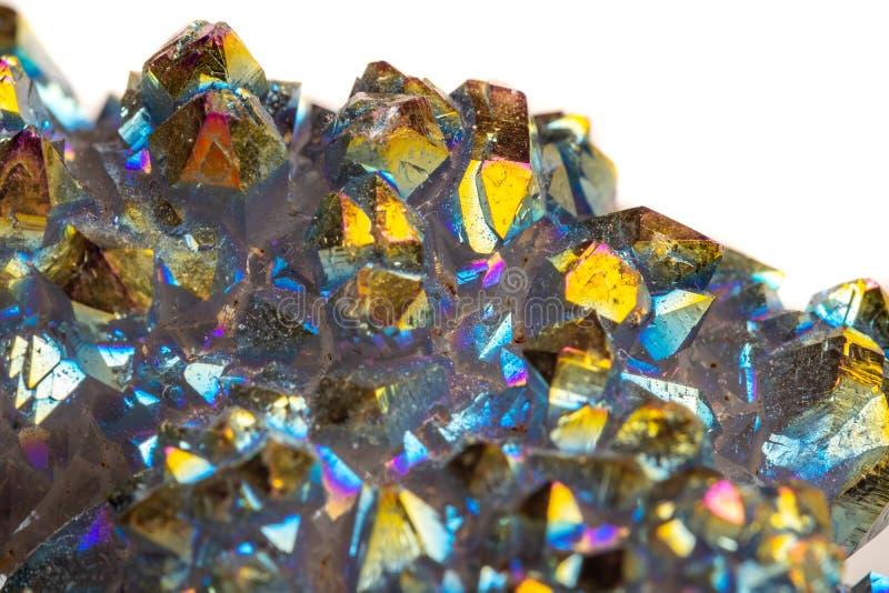 Кварц макроса минеральный каменный Titanium, кварц ауры пламени на whit стоковое изображение