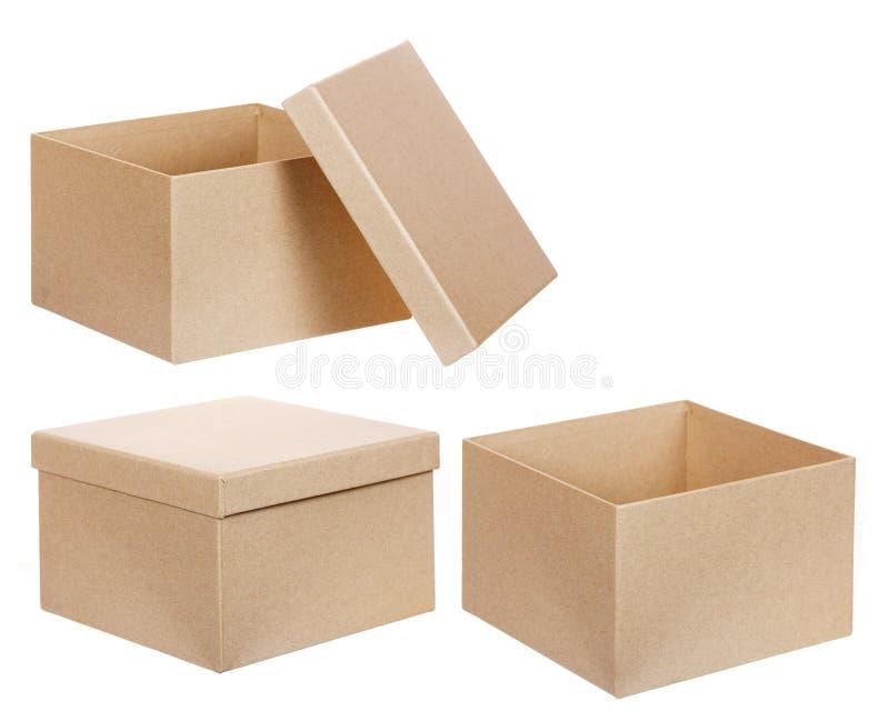 Квадратная коричневая твердая изолированная картонная коробка стоковое изображение