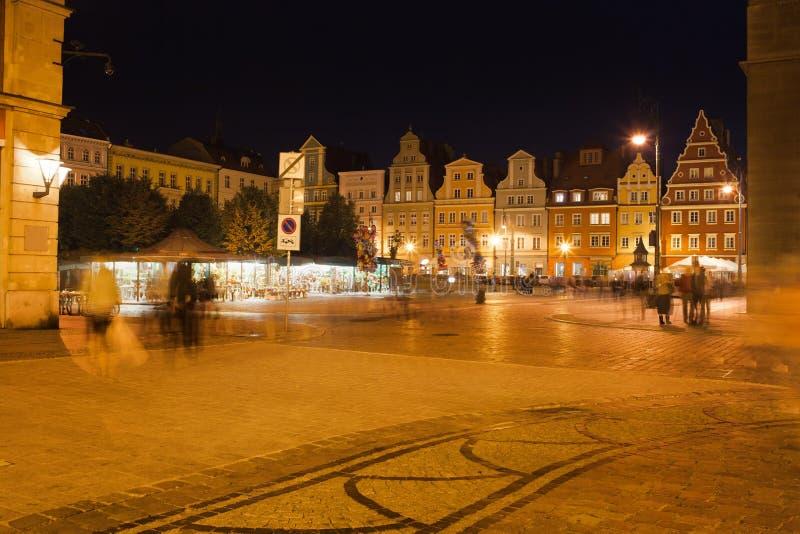 Квадрат соли в Wroclaw на ноче стоковые фото