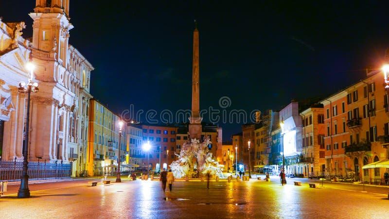 Download Квадрат Navona в Риме вызвал Аркаду Navona - большой взгляд ночи Стоковое Фото - изображение насчитывающей перемещение, зодчества: 81807694