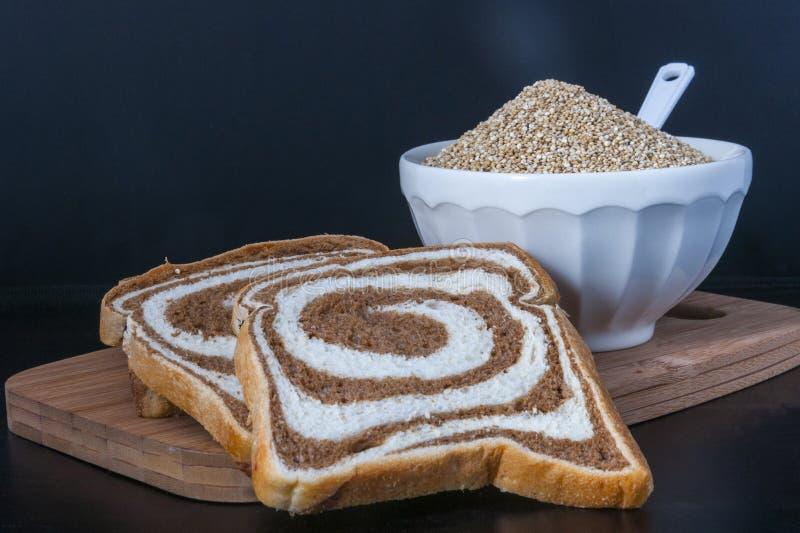 Квиноа хлеба стоковое изображение rf