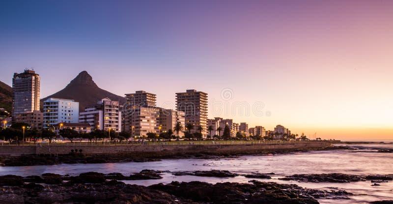 Кейптаун на ноче, Южная Африка стоковые фото