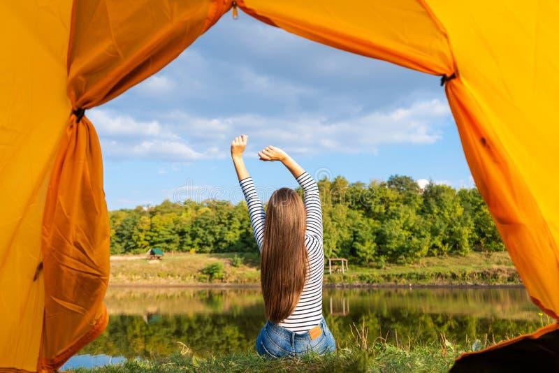 Туристка забеременела в палатке на кемпинге