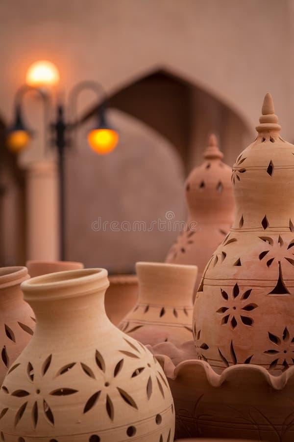 Керамическая гончарня вне Nizwa Souq, Омана стоковое фото rf