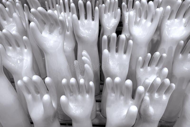 Керамическая резиновая перчатка отливает в форму для того чтобы сделать перчатки t чистки и стирки стоковое изображение rf