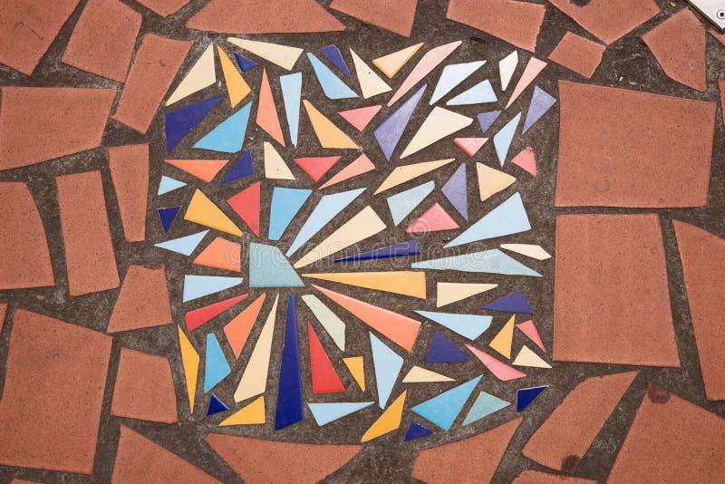 Керамическая сломанная плитка стоковая фотография rf