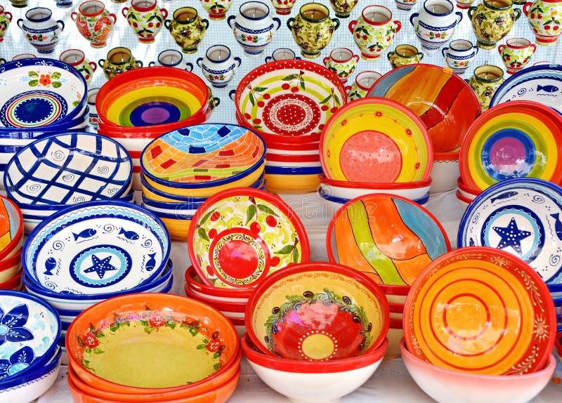керамическо Традиционная покрашенная гончарня стоковая фотография