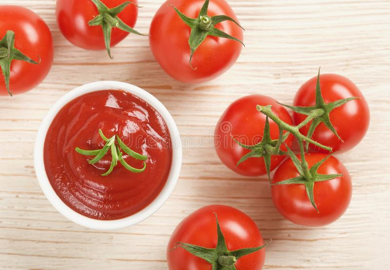Кетчуп или томатный соус стоковое изображение
