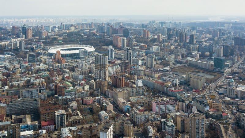 Киев, Украина - 7-ое апреля 2018: Воздушное фото Olympic Stadium в городе Киева на пасмурный день стоковые фотографии rf