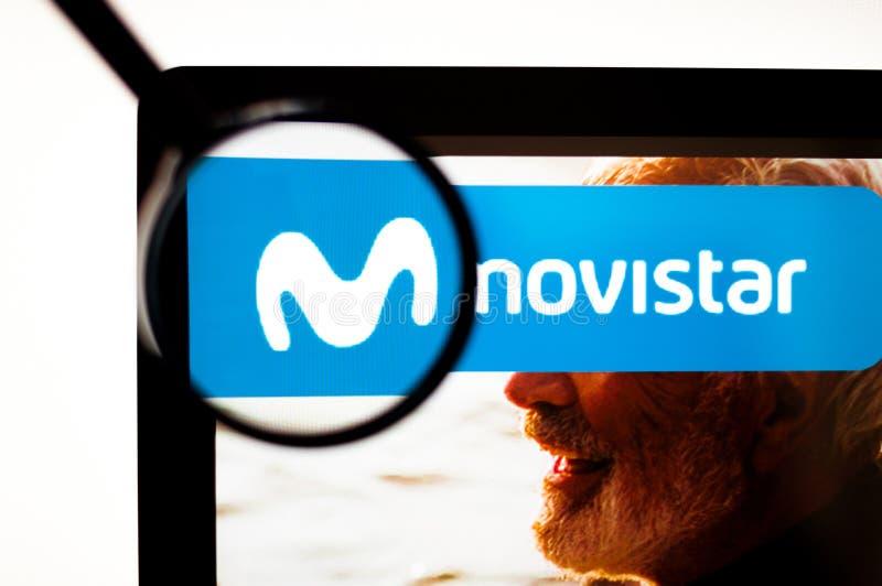 Киев, Украина - 6-ое апреля 2019: Логотип Movistar видимый иллюстрация штока