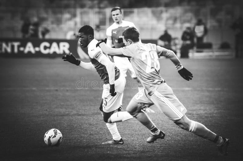 КИЕВ, УКРАИНА - 29-ое ноября 2018: Ainsley Maitland-Niles во время матча лиги Европы UEFA между Vorskla Полтавой против FC стоковые изображения