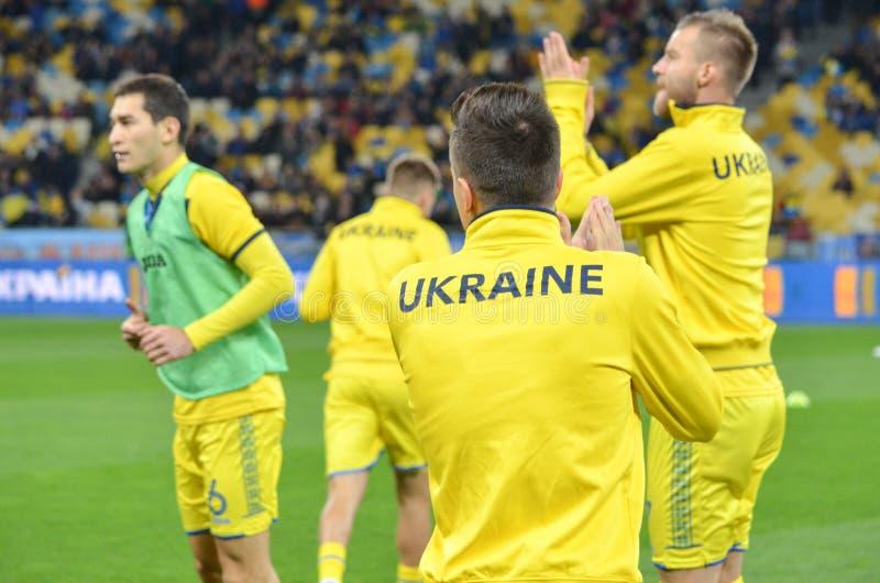 КИЕВ, УКРАИНА - 9-ое октября 2017: Футболисты Ukrain стоковое изображение