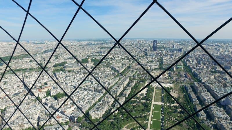 Кинематографический взгляд городского пейзажа Парижа от Эйфелева башни стоковое изображение rf