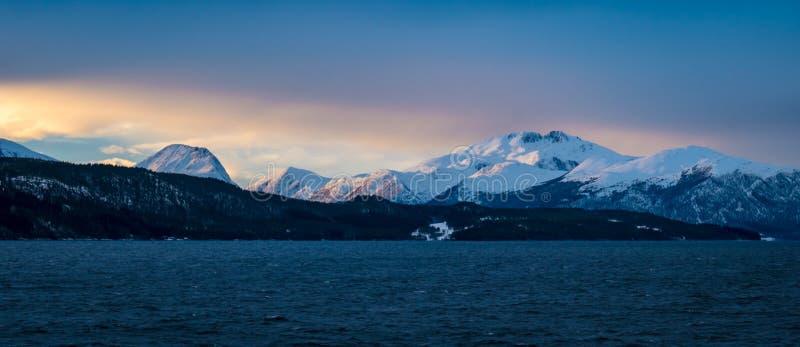 Кинематографический ландшафт на Полярном круге Канаде стоковое фото