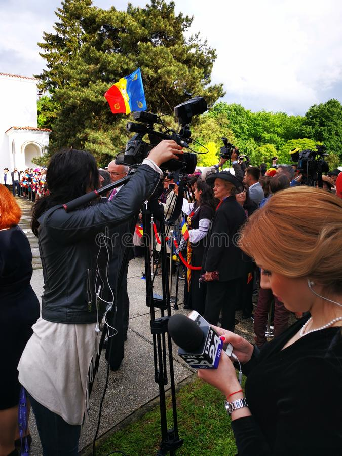 Киносъемка оператора на день монархии на дворце Elisabeta стоковое фото
