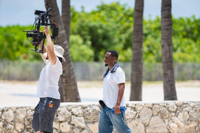 Киносъемка экипажа в Miami Beach стоковые изображения rf