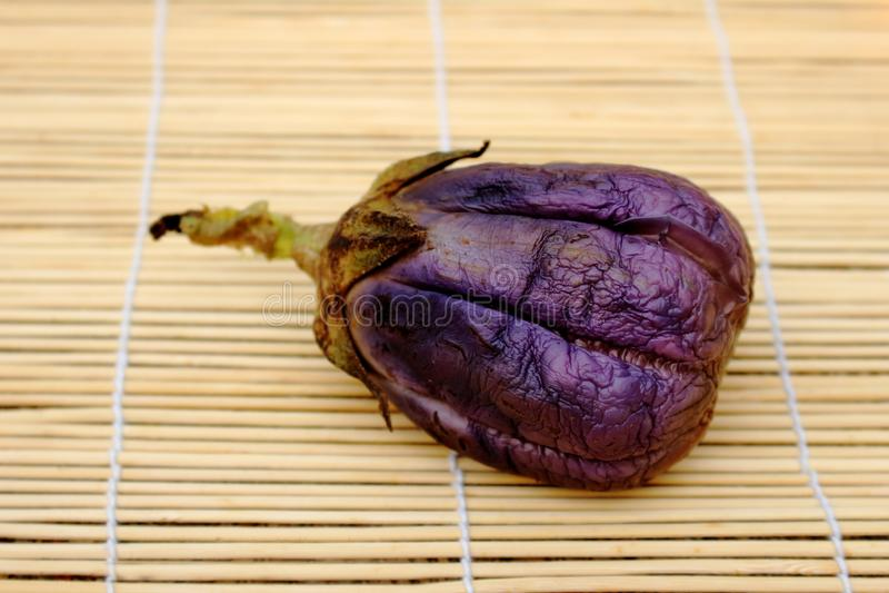 кипеть пурпурный баклажан стоковые изображения