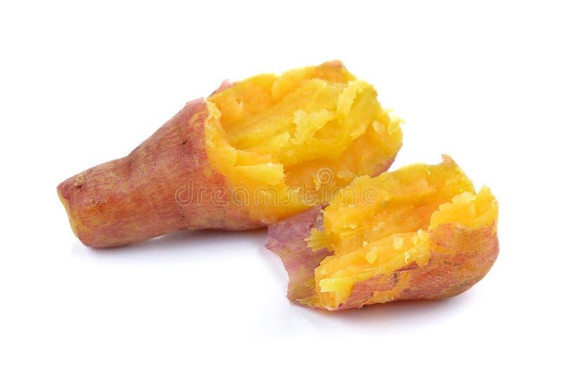 Кипеть сладкий картофель на белой предпосылке стоковое изображение rf
