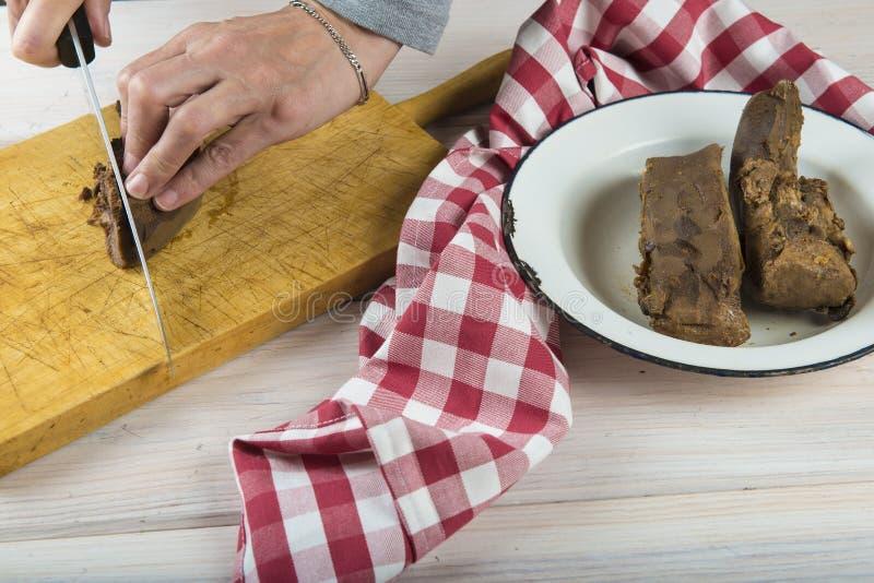 Кипеть язык свинины стоковая фотография