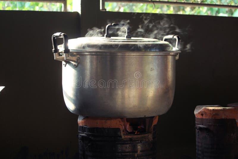кипя вода стоковое фото