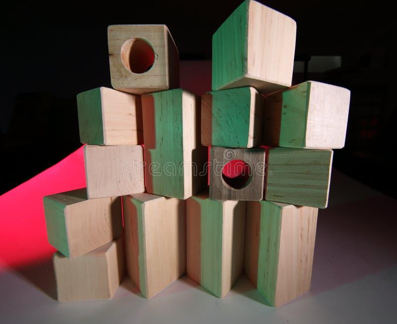 кирпичи toy деревянное стоковые фото