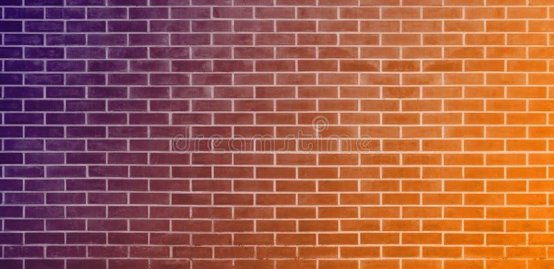 Кирпичная стена, оранжевая пурпурная предпосылка текстуры стены кирпичей для графического дизайна бесплатная иллюстрация