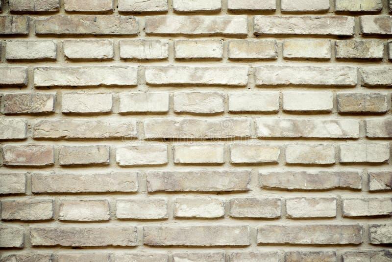 Download Кирпичная стена стоковое изображение. изображение насчитывающей засорением - 37929325