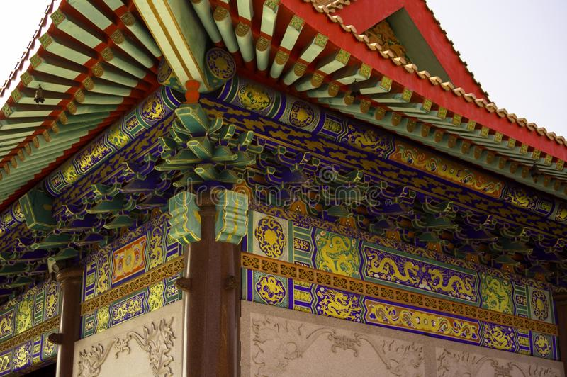 Китайская архитектура виска под крышей стоковое фото rf