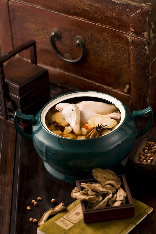 Китайская еда: суп утки с aweto стоковые фотографии rf
