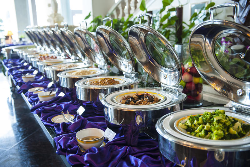 Китайская еда в ресторане роскошной гостиницы стоковое фото rf