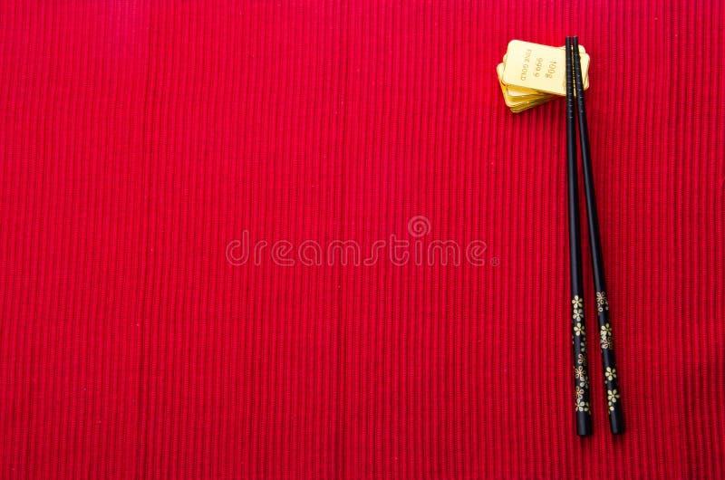 Китайская красная предпосылка с золотом в слитках стоковое изображение rf