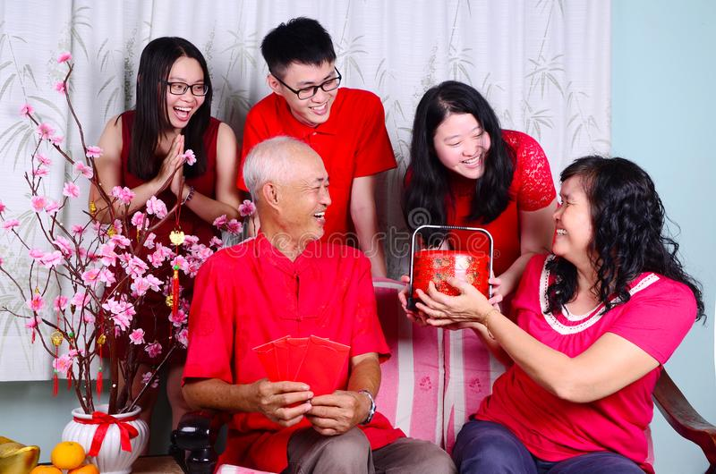 Китайская семья Новый Год стоковое изображение