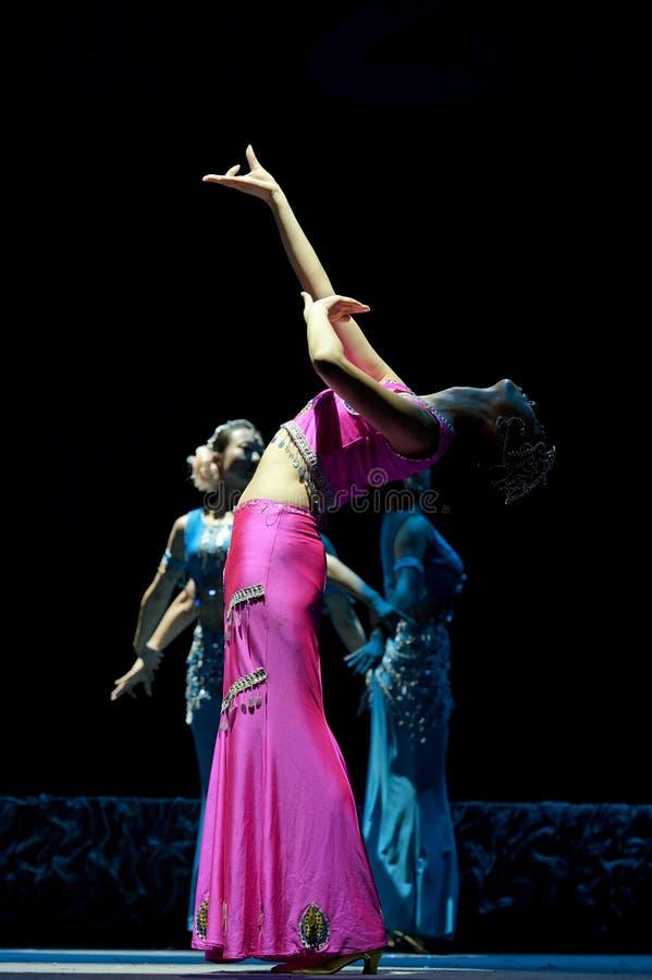 китайская танцулька dai этническая стоковая фотография rf