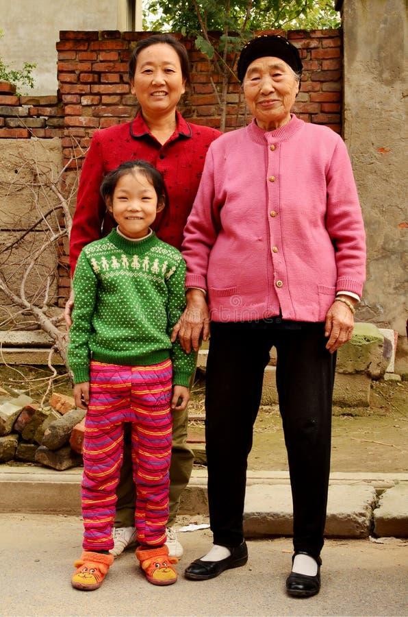 Китайские дамы - 3 поколения совместно стоковое изображение rf