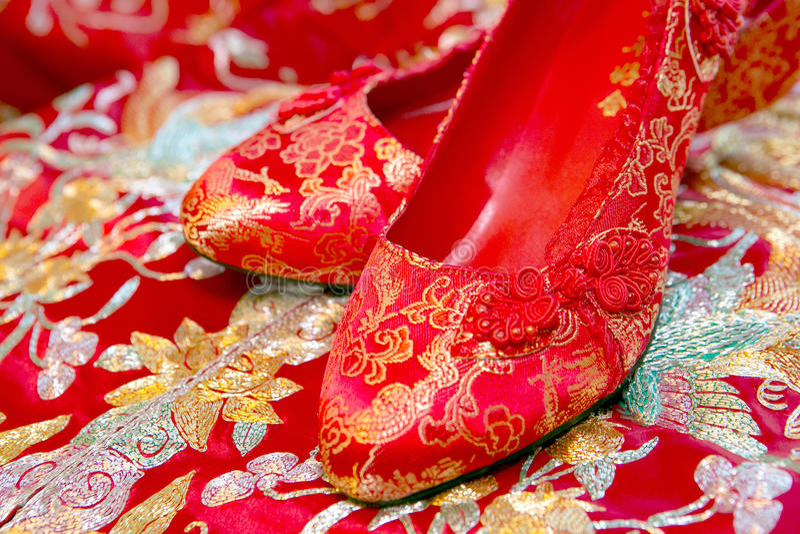 Китайские ботинки свадьбы стоковое изображение rf
