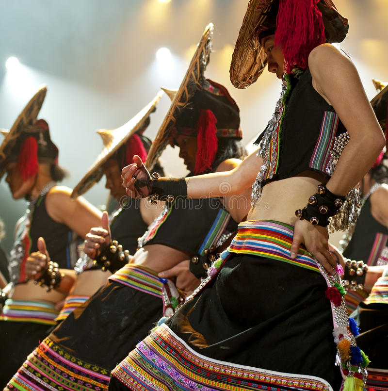 китайские танцоры национальные стоковые изображения rf