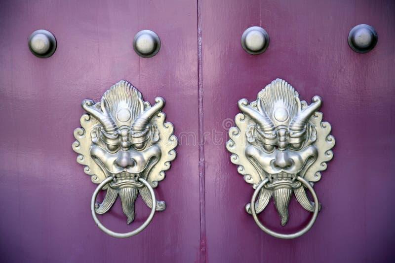 китайские doorknockers стоковое изображение rf