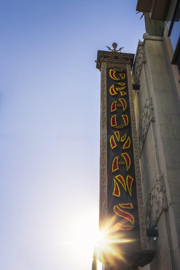Китайский знак театра на бульваре Голливуд, Голливуд, Лос-Анджелесе, Калифорния, Соединенных Штатах Америки, Северной Америке стоковая фотография rf