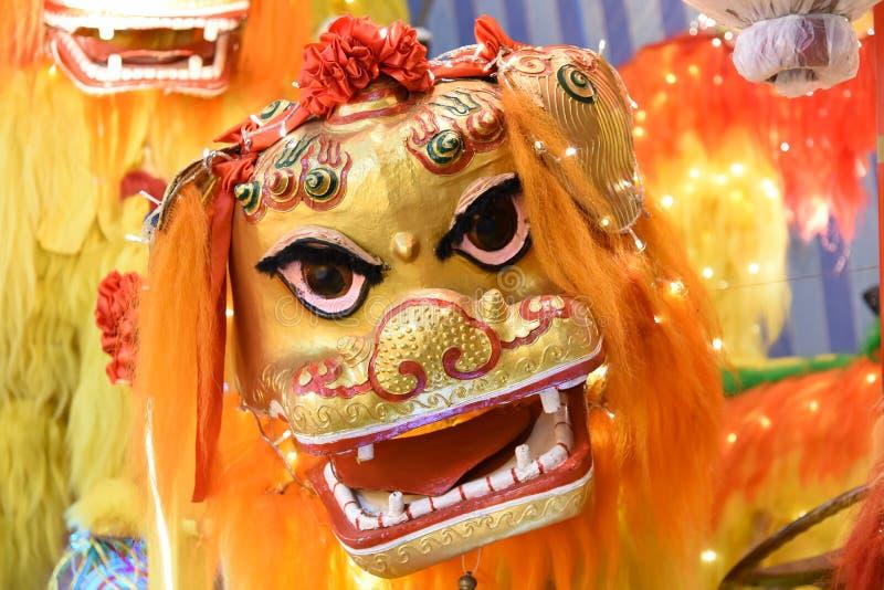 китайский львев танцы стоковое фото