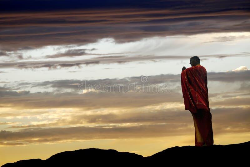 китайский монах моля стоковые фото