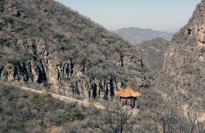 Китайский павильон в горе стоковая фотография