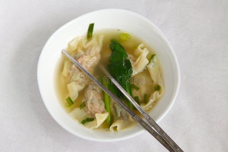 китайский суп вареника традиционный стоковые фото