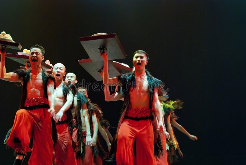 Download китайский танцор этнический Редакционное Стоковое Изображение - изображение насчитывающей excited, бобра: 18388129