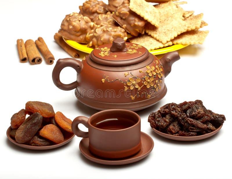 Китайский чай, и высушенные плодоовощи стоковое изображение rf