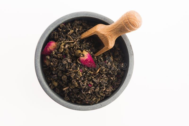 Китайский чай с розовыми бутонами стоковое изображение