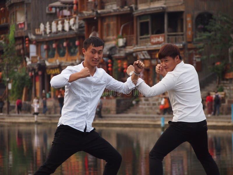 Китайское представление Kung Fu туристов стоковое изображение