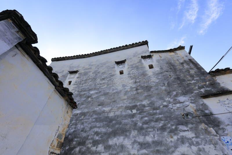 Китайское традиционное особенное белое здание стиля Аньхоя, саман rgb стоковое фото