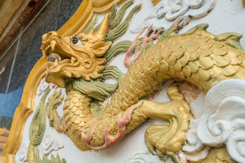 Китайское украшение скульптуры дракона в музее китайского ` мучеников мемориальном на Doi Mae Salong провинции Chiang Rai, Таилан стоковые изображения rf